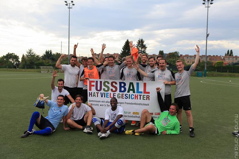 fussball-hat-viel-gesichter-cup2014-5-von-7