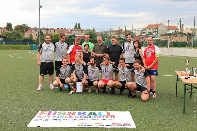 fussball-hat-viel-gesichter-cup2014-6-von-7