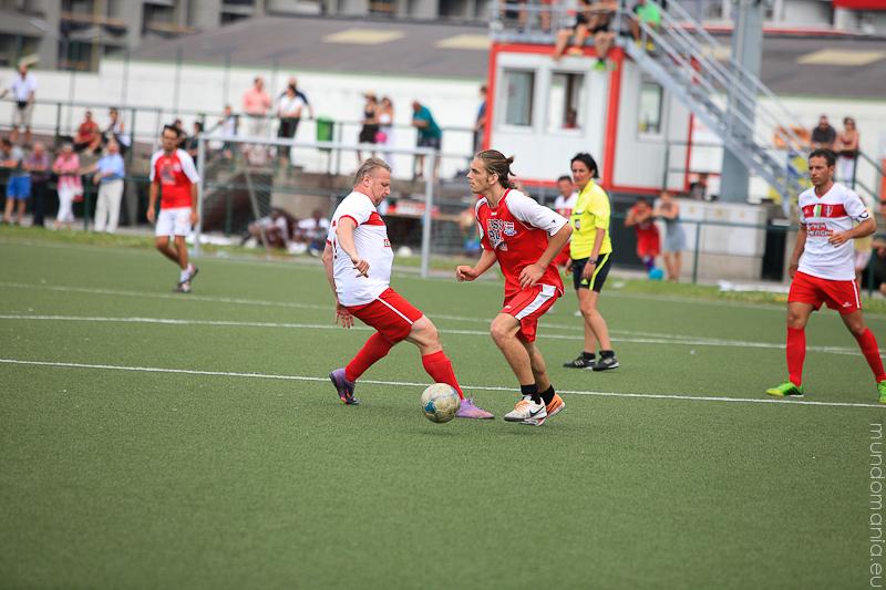 fussball-hat-viel-gesichter-cup2014-promispiel-31-von-55