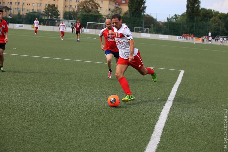 fussball-hat-viel-gesichter-cup2014-promispiel-8-von-55