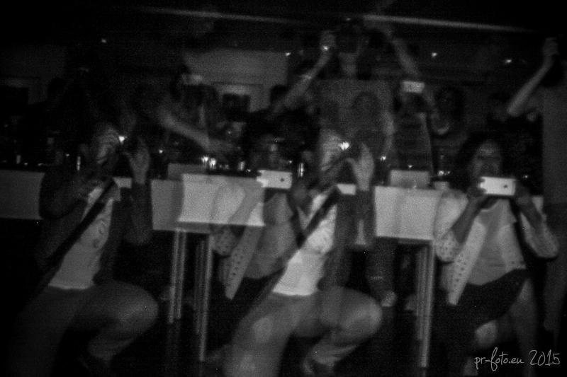 pinhole-vernissage-haus-der-fotografie-11-von-25