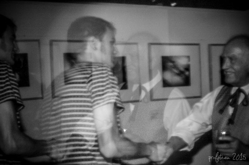 pinhole-vernissage-haus-der-fotografie-16-von-25