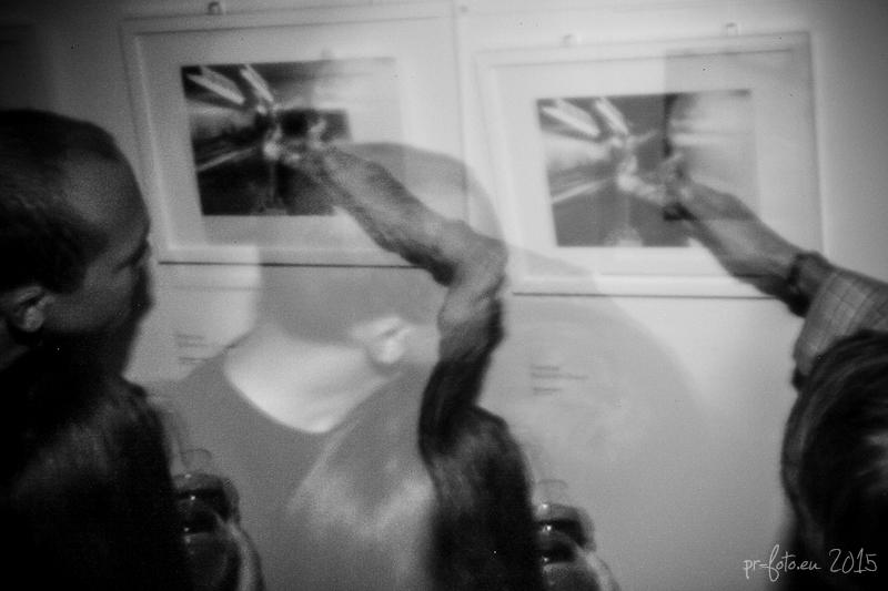 pinhole-vernissage-haus-der-fotografie-22-von-25