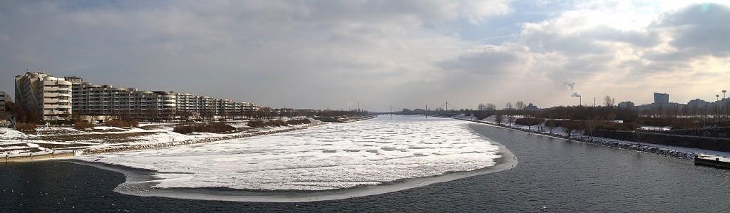 Die Neue Donau mit einem Hauch von Eis...