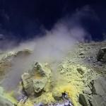 fumarole auf der insel vulcano
