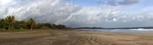 playa junquillal vor einem gewitter