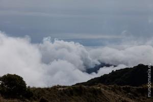 la vista desde volcan irazù a turrialba