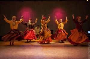 tanzen-im-lalish-theater (7 von 14)