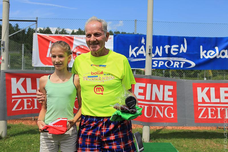 die jünste telnehmerin und der älteste teilnehmer am ulrichsberglauf 2014